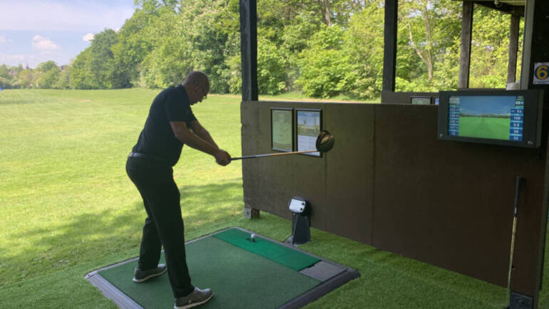 Altrincham Golf Course extends its driving range availability and reopens its Toptracer bays